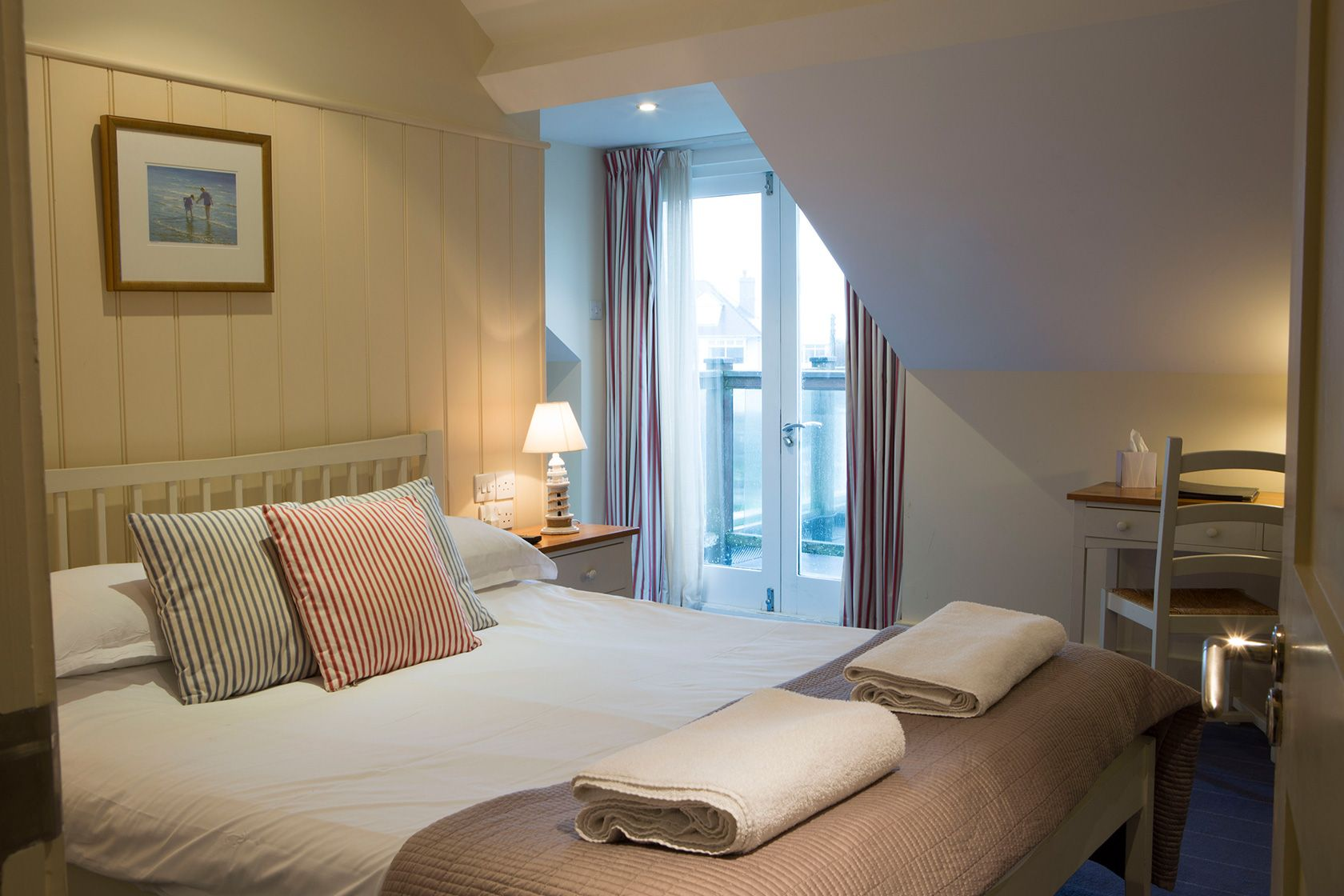 A picture of a premium double bedroom at The Seacroft pub and hotel in Trearddur Bay near Holyhead
